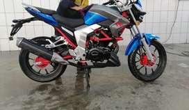 Vendo moto Senka modelo sk200 color azul con todo SOAT.