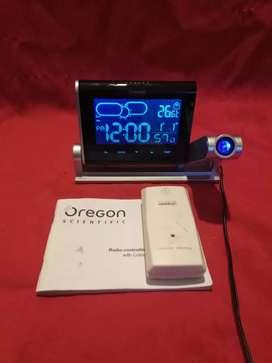 Oregon Scientific BAR339P Reloj Proyector con Previsión Meteorológica en Color