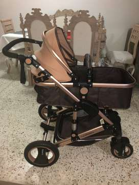 Coche convertible para bebe marca: Cynebaby city vista golden $700.000