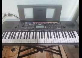 Organeta Yamaha E263