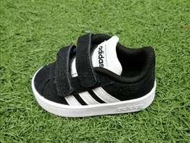 Tennis Adidas 0101
