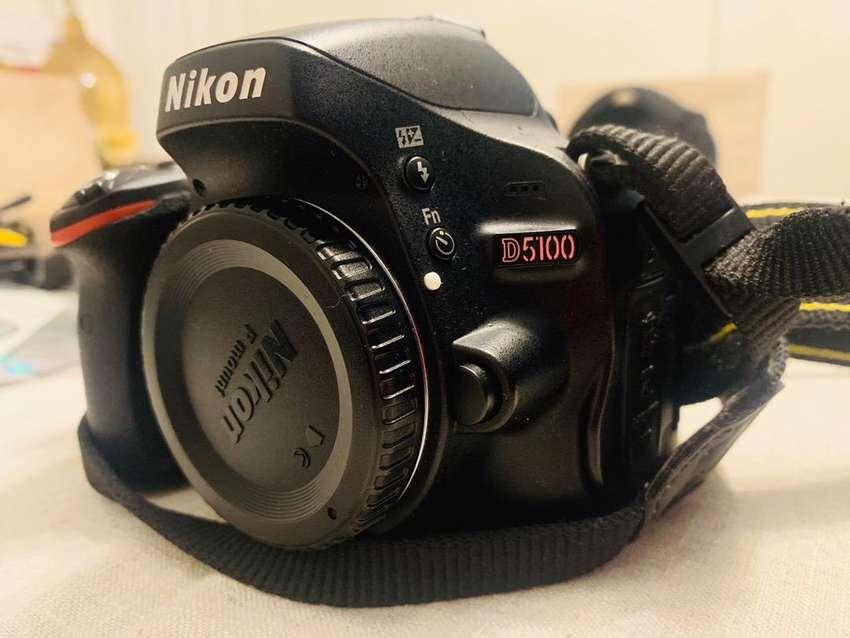 Camara profesional digital Nikon D5100 0