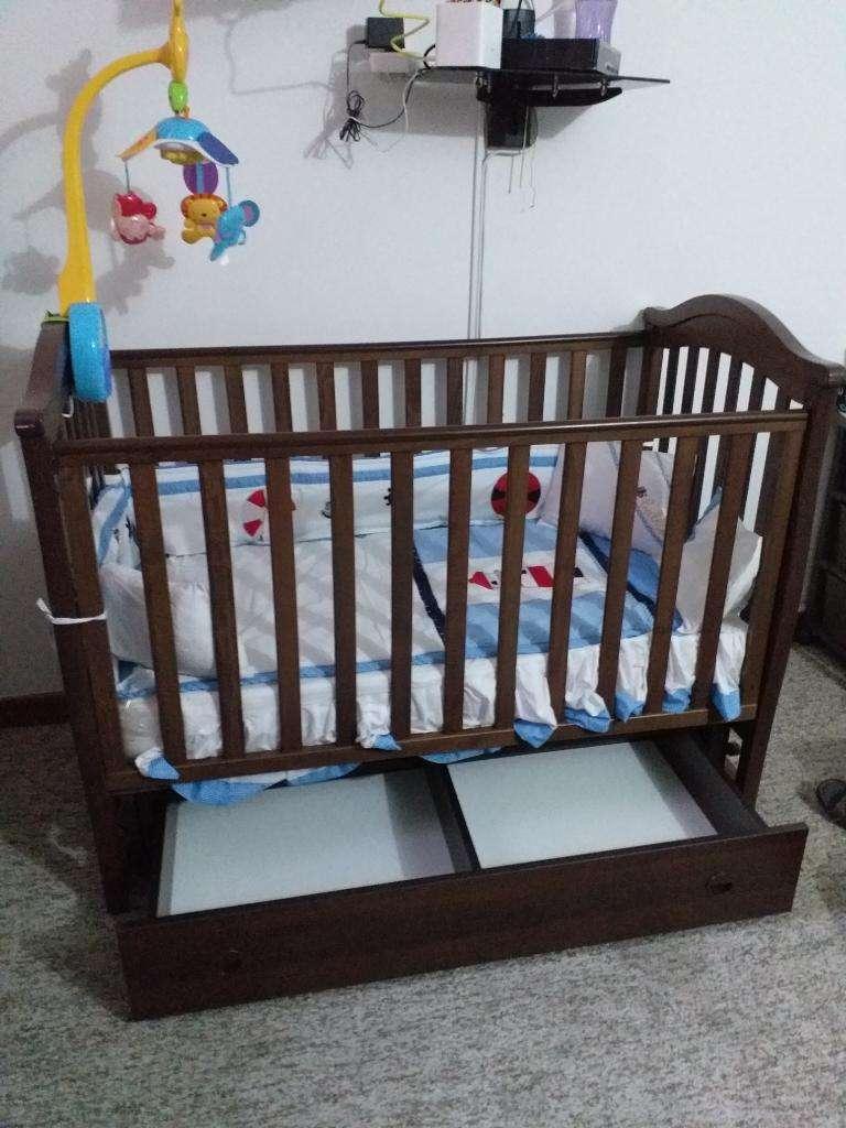 Cuna de Madera para Bebé con Cajones como nueva 0