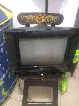 vendo tv pequeño LG economico
