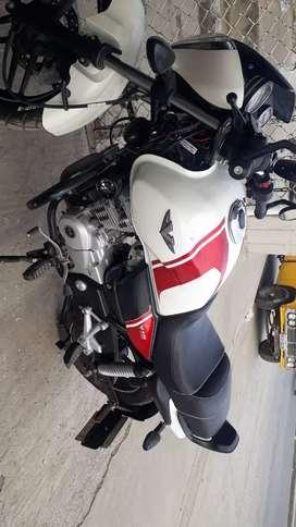 Moto Bajaj v15 personalisada ..$ 1300
