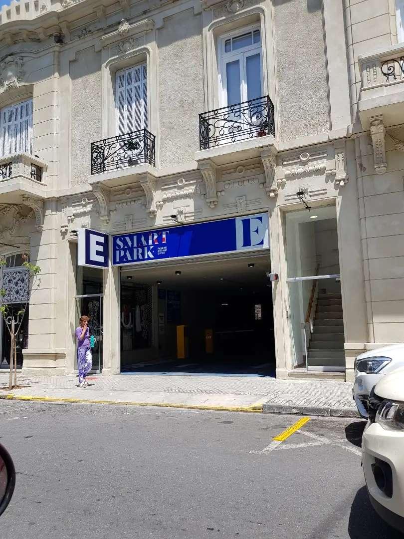 Cochera centrica a estrenar calle España al 956 0