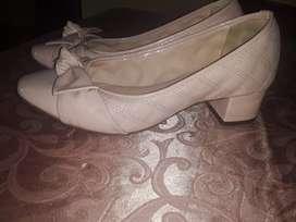 Zapatos y falda