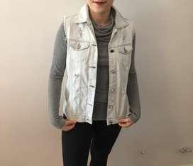 Vendo chaleco Jean femenino en perfecto estado