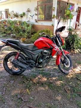 Moto 125 cc,modelo 2020,13km,papeles al dia para todo el año.