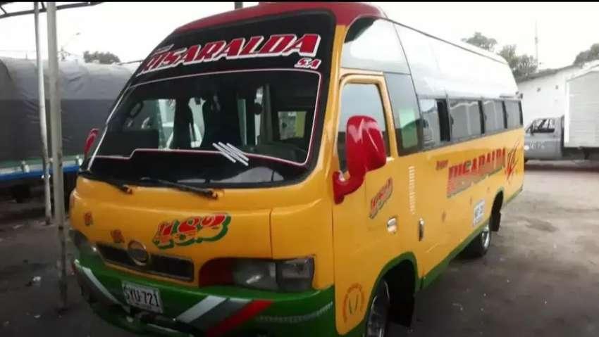 Vendo permuto buseta intermunicipal trabaja de Cúcuta a municipios cercanos 0