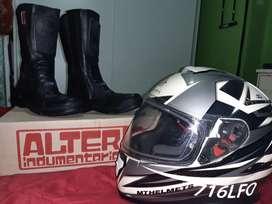 Casco y botas para moto