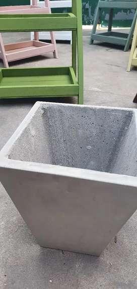 Macetas de cemento de 40 x 30 y de 30 x 25