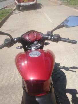 Linda moto ns200