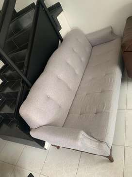 Sofa tela gris claro