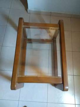 Mesa de madera doble de vidrio