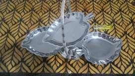 vendo adorno antiguo 3 bandejas de acero inoxidables plegables usado