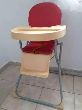 Vendo silla de comer unisex