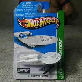 Star Trek U. S. S. Enterprise NCC-1701. Escala 1/64 (Hot Wheels)
