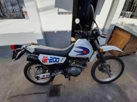 Se vende moto Suzuki DR200
