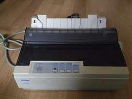 Impresora de matriz de punto EPSON LX-300+