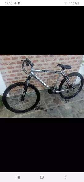 Bicicleta GT mountain bike 27