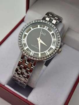 Relojes para mujer Q,yQ