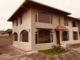 Se Vende Casa en Chillo Jijon Dean Bajo, Conocoto, Quito