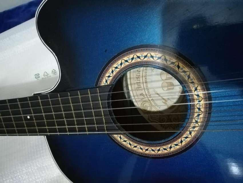 Guitarra La Artística, Excelente Estado 0