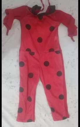 Disfraz ladybug talle 4 niña