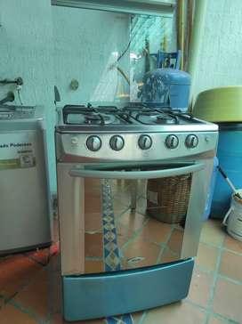 VENDO cocina haceb en acero inoxidable