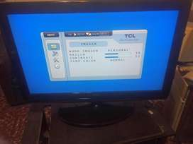 Televisor LCD marca TCL 32 pulgadas-impecable-