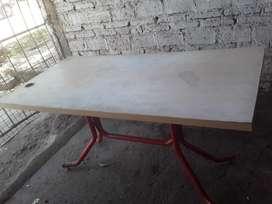 mesa reciclada 1,50 x 0,75