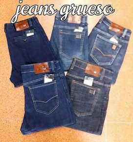 Jeans en marca Tommy.