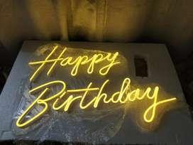 Alquiler letrero happy birthday neon