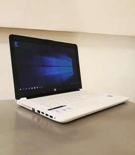 Notebook HP modelo 14-bs007la