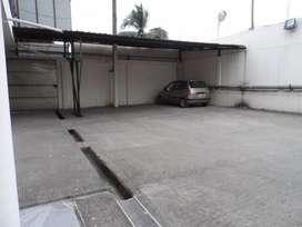 Venta de Propiedad Industrial 1700 m² Terreno y 1200 m² Bodegas y Oficinas en Duran