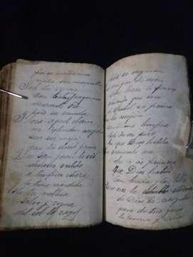 Libro antiguo religioso escrito a mano