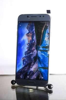 Samsung j7 pro 32 GB 3 ram