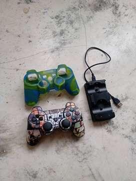 Control de Playstation 3 con forro y cargador inalámbrico