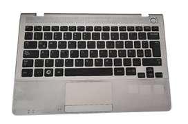 Carcasa Soporte De Teclado, Con Teclado Y Parlantes Para Portatil Samsung NP 305 UA1