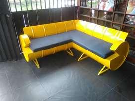 sofás personalizados  en canecas de aceite