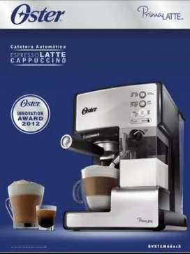 Cafetera Automatica Oster Prima Latte color Plata 110v