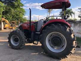 Se vende tractor CASE 110 con cuchilla y cincel