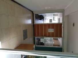 Vendo piso en saenz peña PLENO CENTRO