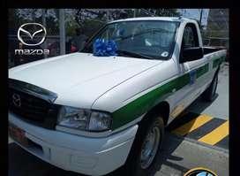 Camioneta Mazda b2200 de alquiler 2006