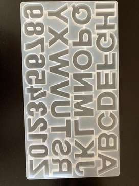 Molde de letras para llaveros con resina epoxi o reposteria