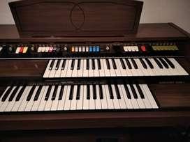 Vendo hermoso piano.armonio (antigüedad )