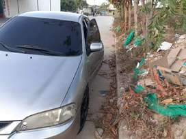 Ford laser muy  bueno