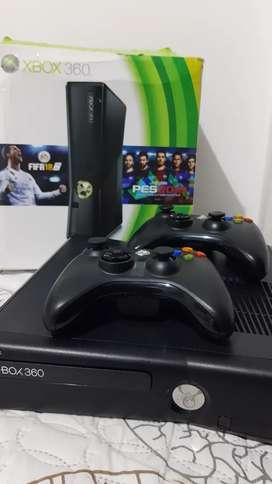 Vendo Xbox360 Slim