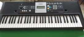 Vendo piano Yamaha psrE223